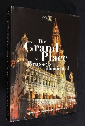 The Grand Place of Brussels illuminated. Valerie Paelinck Lillo Chiarenza, Philippe Denis